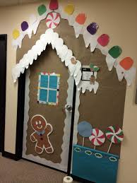 Easy Office Door Christmas Decorating Ideas by Christmas Door Decoration You Could Use Different Colored Plates