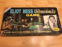 Vintage 1961 Transogram ELIOT NESS AND THE UNTOUCHABLES Board Game 99 Complete