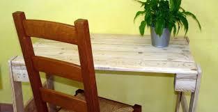 fabriquer un bureau avec des palettes faire une table en palette ou bureau en palette autour du naturel