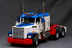 TechnicBRICKs: Week TechVideo, 2009 #51 - American Truck Lego Toys R Us City Truck Itructions 7848 Old Long Nose Working Semi Pulling The Dhl Trailer Moc3961 Truck Town 2015 Rebrickable Build Lego 05591 Red Bird Trailer And Jet By Knightranger Lego T2 Mkii With Lowboy Tr4 Mkll Dolly Flatbed I Saw This Kind Of Crane Section On A Flat Flickr Custombricksde Custom Modell Moc Thw Fahrzeug Vehicles Bdouble Curtainsider Pictures Review The Brick Fan