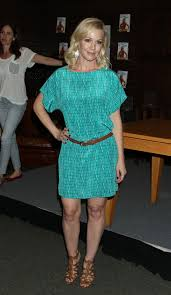 Jennie Garth Book Signing At Barnes & Noble In LA Celebzz Celebzz