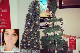 5ft Christmas Tree Asda by Dodgy Asda Christmas Tree Fails To Live Up To Expectations Leaving