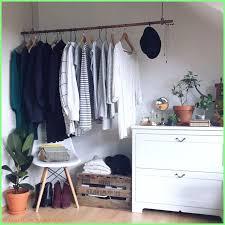 schlafzimmer ideen kleiderstange solebich de