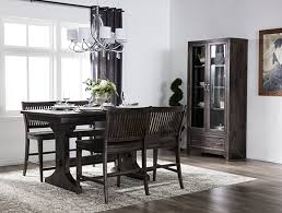 Traditional Dining Room With Valencia Set