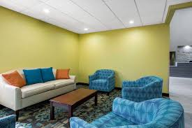 Quality Inn & Suites Arnold St Louis 3610 West Outer Rd Arnold