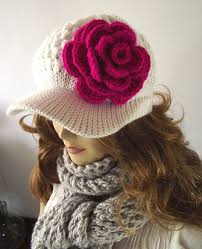 White Newsboy Hat Crochet Detachable Fuschia Flower Crochet Hat