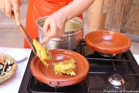 cuisiner avec un tajine en terre cuite tajine de poulet au citron confit