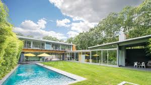 100 Glass Walled Houses A Modern Home With Walls And Cedar Exterior In The Hamptons Is