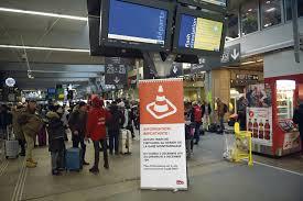 bureau de poste gare montparnasse du bug de montparnasse au crash d une sncf filialisée l humanité
