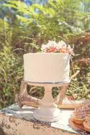Single Tier Wedding Cake With Antler Decor