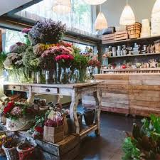 How To Be A Master Florist La Sastreria De Las Flores Gift Shop