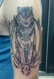 The Wolf Tattoo Is Associated With Many Positive Meanings Check Out Huge Gallery Of Excellent Tattoos For Men And Pick Your Favourite