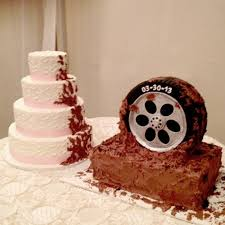 Bride And Groom Cake Mudding Theme Wedding