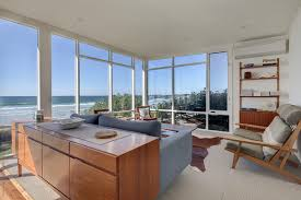 100 Mid Century Modern Beach House Styled Beach House With Midcentury Furniture By Rowena