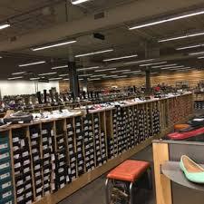 DSW Designer Shoe Warehouse 25 s Shoe Stores W