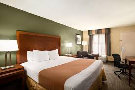 Atlantic Bedding And Furniture Jacksonville Fl by Days Inn Jacksonville Airport Fl Booking Com