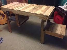 DIY Wood Pallet Desk and Storage Cubby