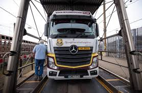 100 Truck And Trailer Supply Mays Brexit Plan Comes Just In Time For Chains WSJ