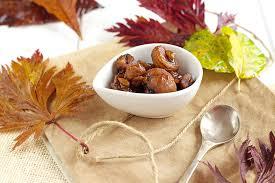 plat de cuisine châtaignes caramélisées en accompagnement d un plat de viande