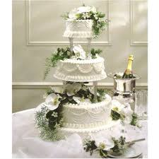 are still a beautiful addition to your wedding cake The blossoms are actually cut from a plant and are therefore more pricey than roses or daisies
