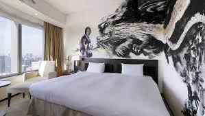 mit picasso und dali im bett kunst hotels in diesen hotels