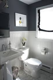 Best Paint Color For Bathroom Cabinets by Best 25 Small Bathroom Paint Ideas On Pinterest Small Bathroom