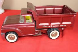 VINTAGE 1960S STRUCTO Toys Pressed Steel Hydraulic Dumper Dump Truck ... Vintage 1950s Structo Cattle Farms Inc Toy Truck And Trailer 1950s Structo Toys Steel Army Truck Vintage Metal Toy Wrecker Truck Parts Toys Buddy L Tow 1940s Pinterest Very Early Vintage Pressed Dump 4900 Childrens Books Flash Cards Colctible Steel Diecast Cadillac No 7375 Hp Elrado Brougham Concept Lloyd Ralston Nice Yellow Truckgreen Trailer Yellow Steam Shovel Barrel Windup Red Blue C