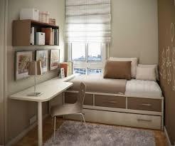 chambre etudiante lit avec rangement idée créative pour les petits espaces