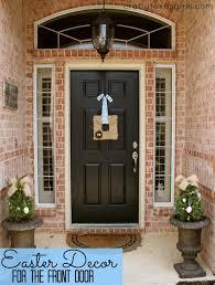 Mardi Gras Wooden Door Decorations by Crafty Texas Girls Craft It Easter Decor For The Front Door