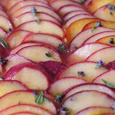 südfranzösischer pfirsichkuchen mit lavendel