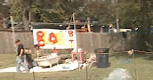 102 Flaming Lips House Wayne Coyne Pictured In The Bath On Google Streetview