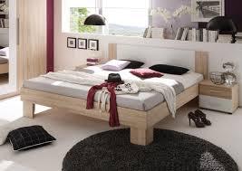 schlafzimmer dekor kleiderschrank 4 türig bett mit nachtkonsolen 180 x 200 cm