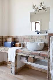 rustikales bad in toskanischem landhaus bild kaufen