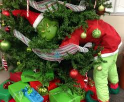Grinch Outdoor Christmas Decorations by Christmas Grinch Decoratingeas Christmas Tree Decorations