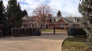 A Visit to Peyton Manning s House Walking with Joel 12 3