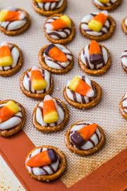 Pumpkin Spice Chex Mix With Candy Corn by Pumpkin Spice Puppy Chow Sallys Baking Addiction