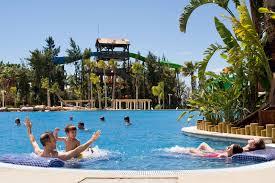 parc aquatique port aventura les 10 parcs d attractions à ne pas manquer en catalogne
