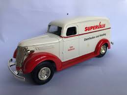 100 Chevrolet Panel Truck 1938 Bank Diecast 125 Vintage Collectibles