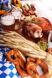 traditionelle deutsche küche schweinshaxe gebratener