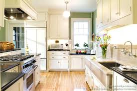 Shaker Cabinet Doors White by Kitchen Cabinets White Or Wood U2013 Truequedigital Info