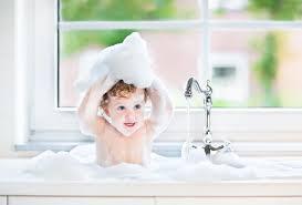ein kindersicheres badezimmer einrichten socko