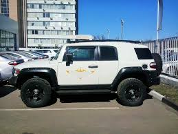 Spotted...cars In Moscow: Used Car Lot Toyota FJ Cruiser