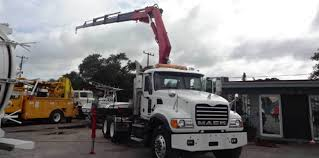 Commercial Equipment Truck Sales | Phoenix Truck Sales