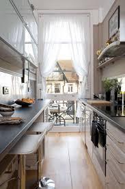 amenager une cuisine en longueur comment aménager une cuisine en longueur types avantages et