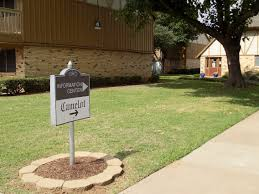 3 Bedroom Apartments Wichita Ks by Camelot Apartments Apartments In Wichita Falls Tx