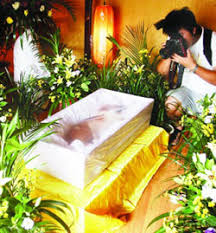 A Lavish Funeral for Pet Friend china