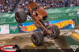100 Monster Trucks Indianapolis Jam 2017 Team Scream Racing