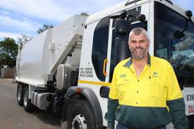 100 Rubbish Truck Garbage Truck Driver Goes Above And Beyond For The People Of Ipswich