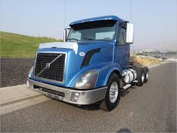 Volvo Semi Trucks For Sale By Owner Brilliant Volvo Vnl64t300 Day ...
