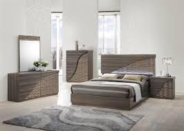 Global North 5 Bedroom Set